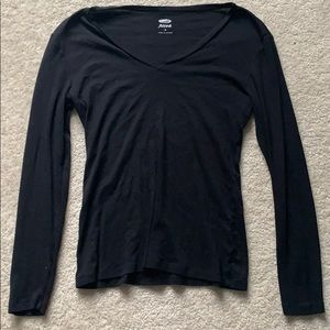 Simple black v neck long sleeve